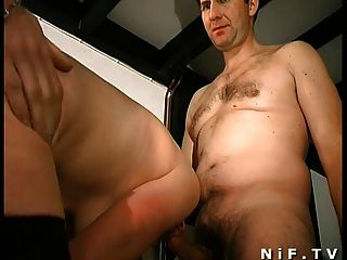 Milf peludo francés se folla anal y facialized en 3some