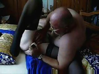 Video robado de la abuela de la guarra que se divierte.aficionado