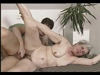 Trío de abuelita de cabello gris