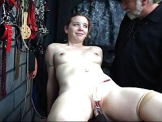Una chica linda necesita entrenamiento demasiado 3