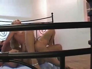 Chica emocionante slovak obtiene sexo anal en medias s88
