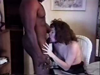 Esposa blanca folla toro negro en casa