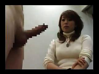 Ella nunca ha visto una polla así que se tiras y se masturba 2