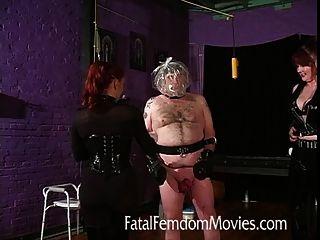 Inflación de la bola y la asfixia para ese esclavo completo alto!