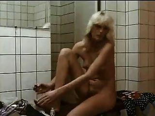Chicas peludas en la ducha