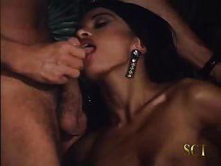 Tímida armenia adolescente obtiene su cuerpo sexy follada duro