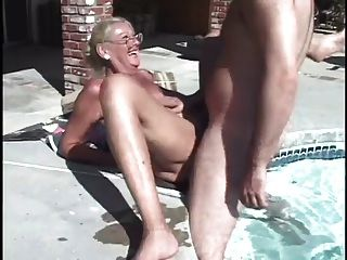 Sra.Arenas 2 si por piscina