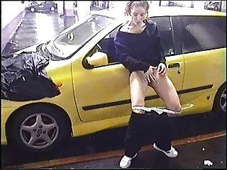 Ex gf en un aparcamiento público