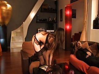 French maid lola bruna analizada por su jefe a75