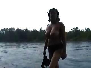 Mi hermosa esposa madura totalmente desnuda para ti