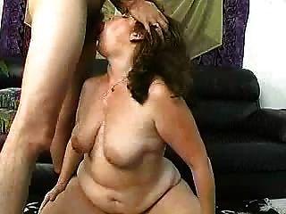 Mujer madura con un culo grande parte 3