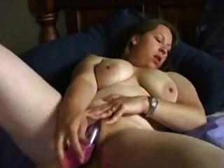 Ex novia córnea ex masturbándose con el vibrador