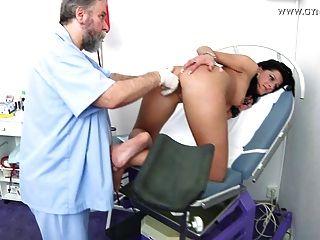 Examen gyno damien por el ginecólogo