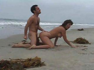 En la playa 2