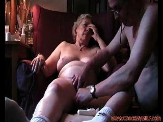 Milf maduro follando a su marido checkmymilf.com