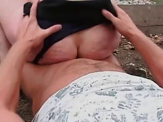 Morena madura mamá follada al aire libre