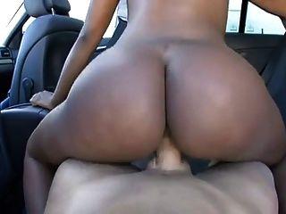 Toni jodido en un coche!
