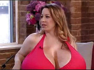 Chelsea charms tits enormes entrevista