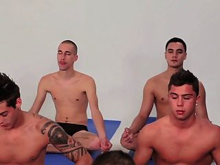 Gay boys gang bang grupo twinks schwule jungs