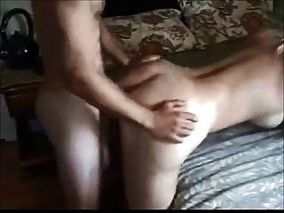 Mujer boobed grande follada por el muchacho más joven