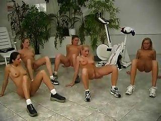 Gimnasio desnudo 2