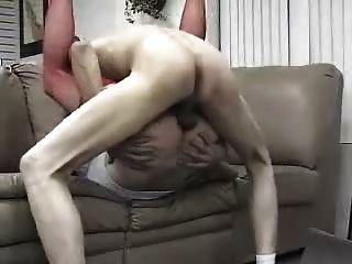 Tranny toma bf sin pelo para creampie jugoso 2