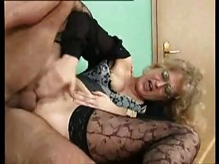 Sexy milf alemán se folla anally