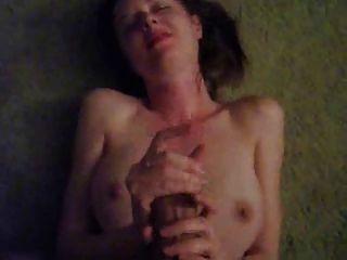 Nena hace sexo deepthroat dura a una gran polla para cum