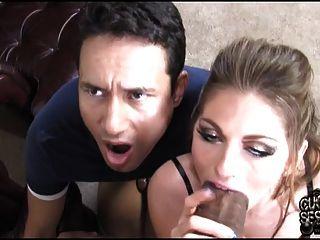 Cuckold viendo a su mujer zorra de cría por el toro negro