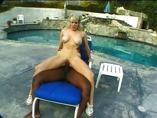 Randi storm + lexington steele big dick sexo anal al aire libre