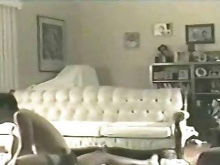 Esposa elaine en el piso de la sala 2 (cornudo)