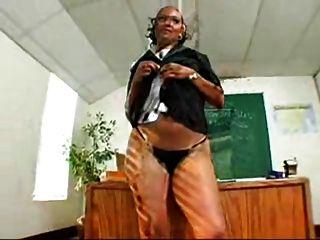 Profesor negro grande del botín ms.mya