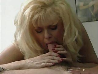 Sexy rubia mamá anna lisa en una caliente 3 vías
