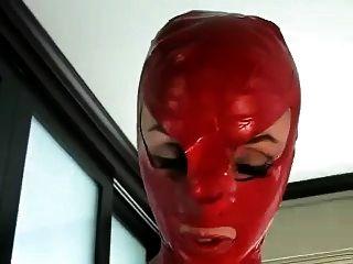 Amante cummings verano habla a los nuevos esclavos en el club de sexo