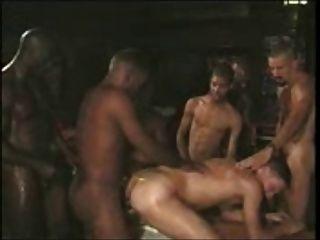 Grupo gay esclavo blanco