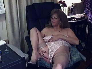 Abuelita encantadora con gafas 2