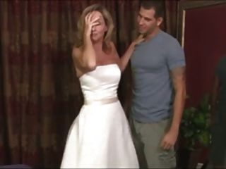 Fantasía del vestido de boda de las mamáes del paso