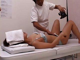 Una señora lasciva pide sexo en el medio del masaje part2