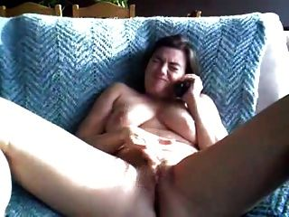 Orgasmo doble rechoncho a través del sexo telefónico