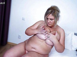 Mamada madura mamada grande que trabaja su castor