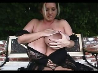Merry big melons de culosami