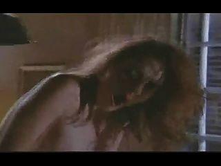 Chica orgasmica de la vendimia tiene varios orgasmos anal
