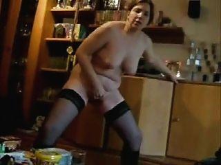 La mujer caliente masturban de pie delante de mí.hecho en casa