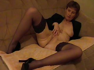 Amateure madura mujer ucrania mastrubating