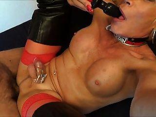 Puta sissy encajado doble golondrina anal