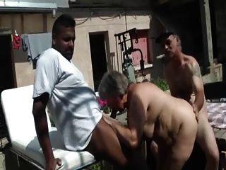 Bbw francés follada en un trío