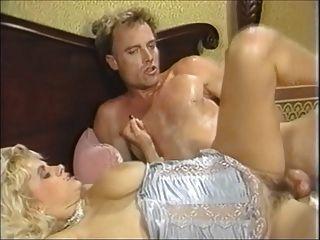 Gran boob babe rebotes en la polla