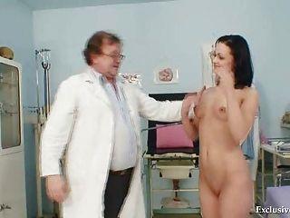 Morena, pavlina, vagina, examen, viejo, doctor, clínica
