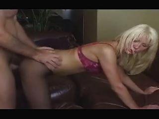 Puta británica jenny loveitt barmaid follada en la barra