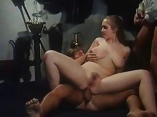 Chica caliente con grandes tetas obtener dp